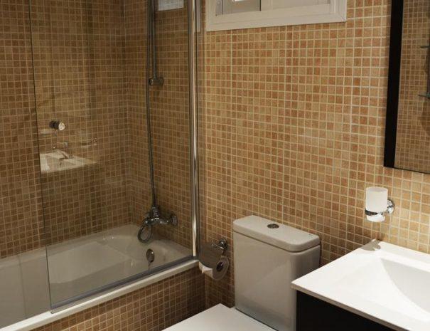 Select Marina Park Bathroom - Copy